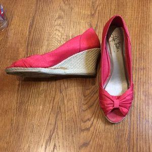 Wedge peep-toe shoes